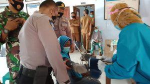 Sukseskan Kampung Sehat NTB, Petugas Antar Jemput Lansia Untuk diVaksin