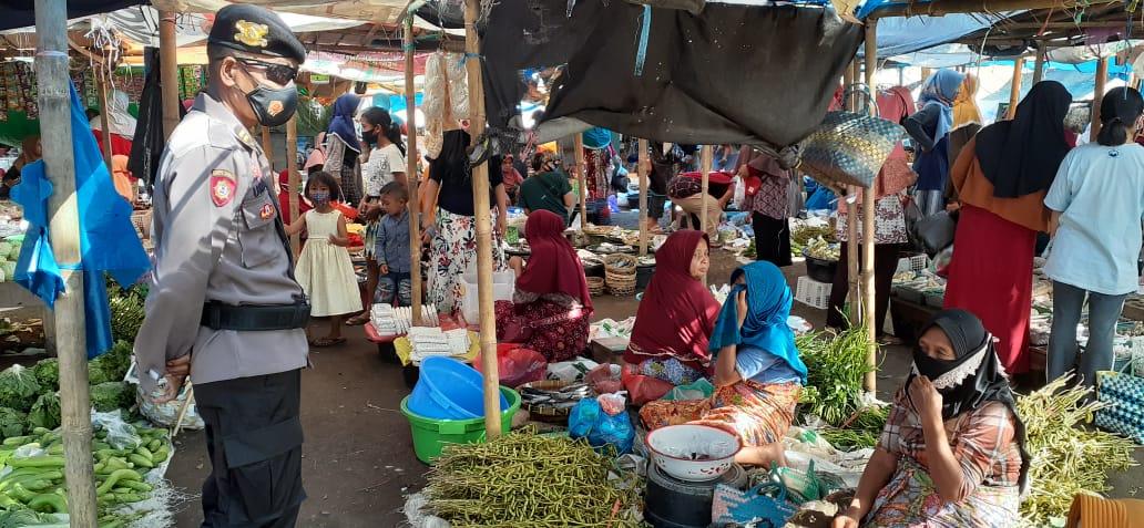 Berikan Rasa Aman Di Bulan Suci Ramadhan, Polsek Batukliang Lakukan Patroli Pasar Tradisional