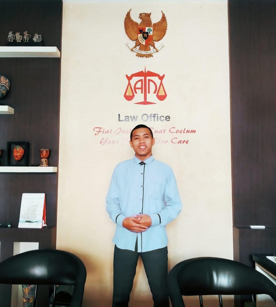 Chalik Fadillah, merupakan Mahasiswa Universitas Islam Negeri (UIN) Mataram yang juga sebagai Pengurus LDMI Al-Fajar 2020-2021