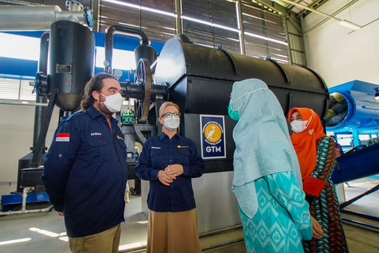 Industrialisasi Untuk Zero Waste, Kini NTB Mampu Mengelola Sampah Plastik Jadi Solar