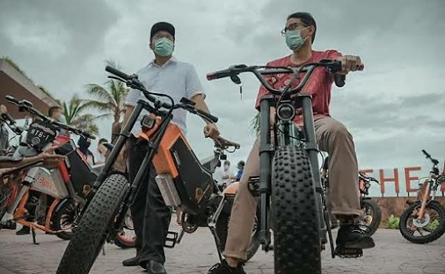 Sepeda Listrik NTB Jadi Kebanggan Warga NTB di Banyuwangi
