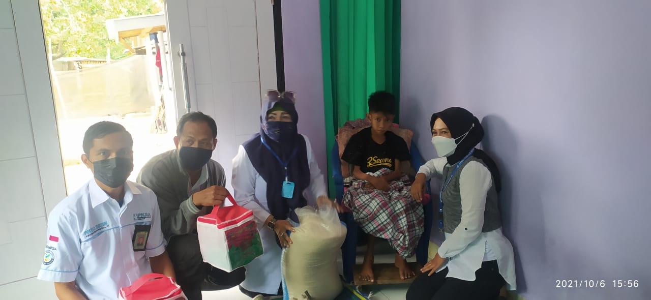 Kabid Resos Dinas Sosial NTB Mengunjugi Anak Yang Kurang Gizi